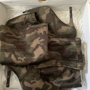 Camouflage high boots